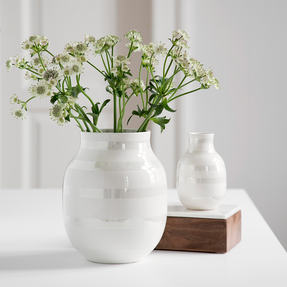 Omaggio vase medium mother of pearl ditte reckweg and jelena zoom reviewsmspy