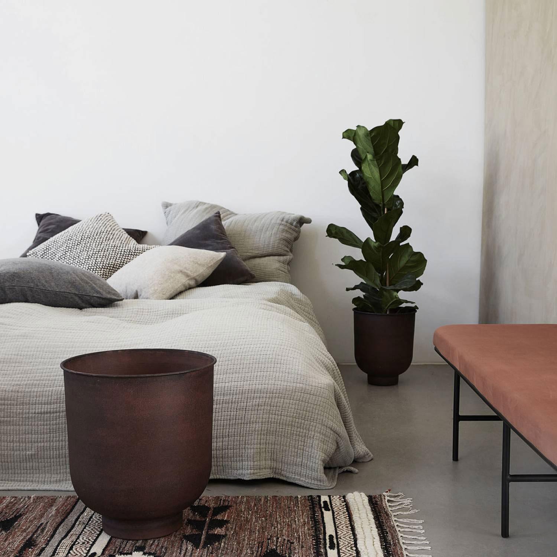 vig planter l set 2pcs burnt henna house doctor house doctor. Black Bedroom Furniture Sets. Home Design Ideas