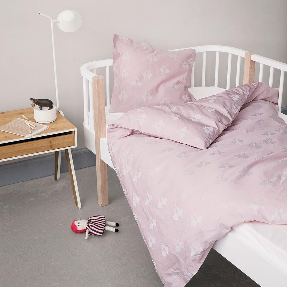 fairytale bedding 100x130cm pink sonia brandes georg jensen damask. Black Bedroom Furniture Sets. Home Design Ideas