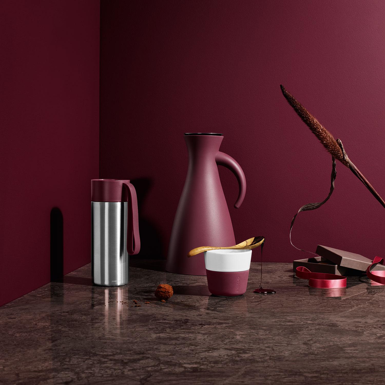 to go cup 0 5l dark burgundy eva solo eva solo. Black Bedroom Furniture Sets. Home Design Ideas